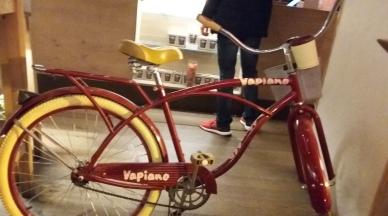 bikeinrestaurant2
